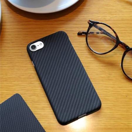 Чехол Pitaka MagEZ Case для iPhone 7 черно-серый в полоску , кевлар (арамид)